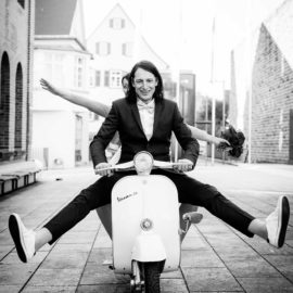 After-Wedding Shooting mit Vespa ♡